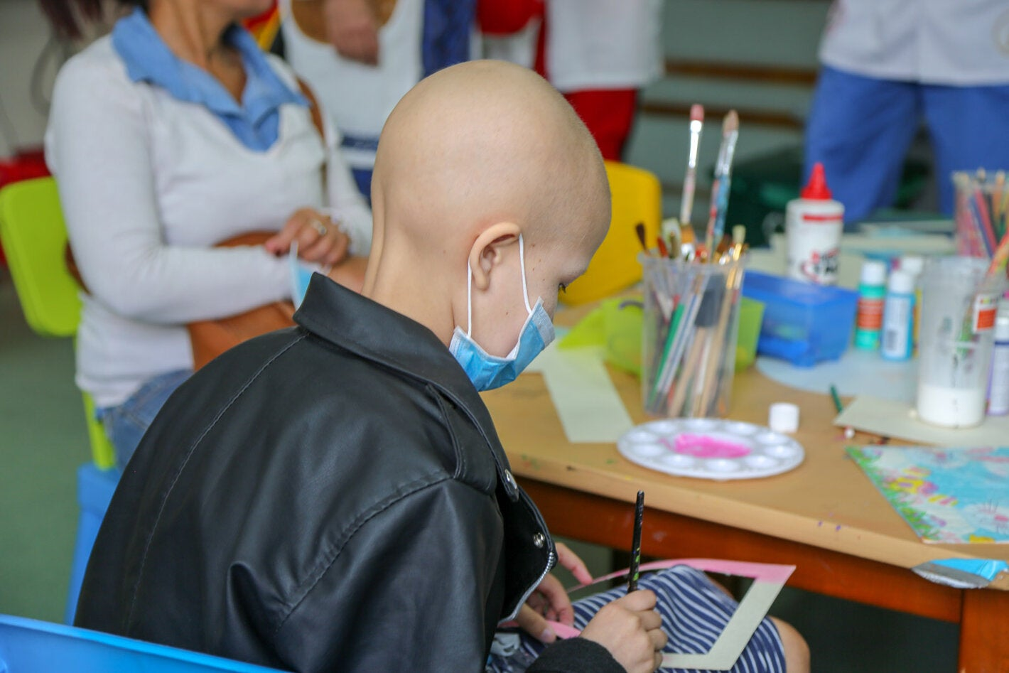 child a with cancer