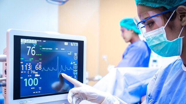 OPS y CEPAL buscan mejorar el suministro de productos médicos durante emergencias en América Latina y el Caribe thumbnail